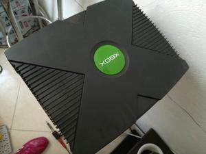 Vendo Xbox Clasica con Dos Controles
