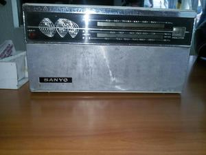 Vendo Antiguo Radio para Reparar