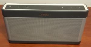 Vendo Bocina Bose Bluetooth Soundlink III Plata