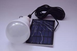 Bombillo LED 100 funcional con energía solar