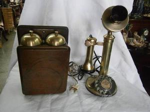 Telefono Antiguo De Mesa En Bronce Con Caja De Sonido