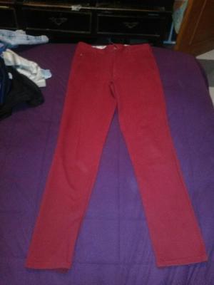 Vendo Pantalon Rojo Muy Barato