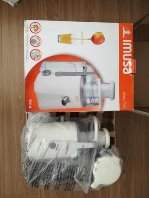 Extractor de Jugos Imusa Easy Fruit