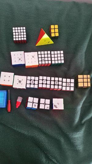 Vendo Colección de Cubos Rubik