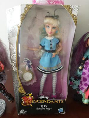 Vendo Linda Muñeca Original Disney