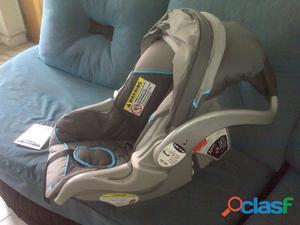 vendo porta bebe para carro, sin base, marca baby trend.