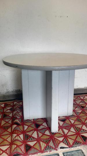 Comedor base metalica superficie en vidrio 4 posot class for Mesa comedor pequea a