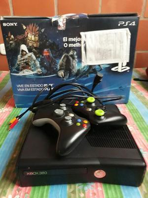 Vendo O Cambio Play 4 en Caja Y Xbox 360