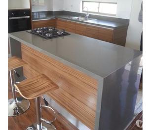 Vendo maquina destroncadora piso marmol y granito posot for Materiales para mesones de cocina