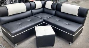 sala modular, mesa de centro y puff