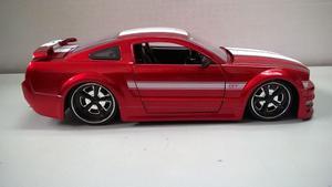 Auto De Coleccion Mustang Gt  A Escala 1:24 Marca Jada