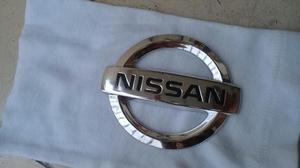 Emblema Automovil Nissan