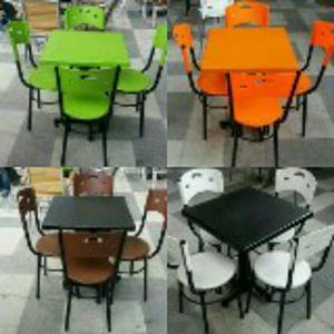 Vendo 5 juegos de sillas y mesas en cali posot class for Juego de mesa y sillas