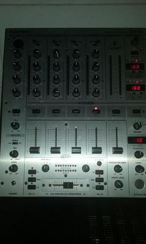 Mixer Behringer Dj 700
