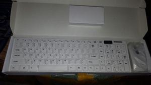 Combo Teclado Mouse inalambrico Color blanco
