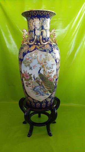 Jarron de Pie Chino Antiguo en Porcelana