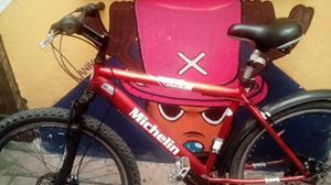 bicicleta todo terreno con freno de disco mas chaleco y