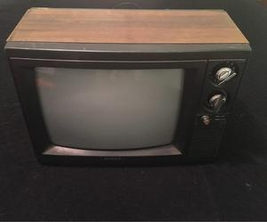 Televisor Tv Antiguo Marca Sankey.