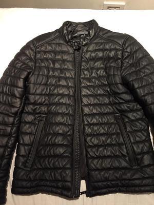 Chaqueta Cuero Marca Zara $180 talla M