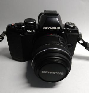 Camara Olympus Om-d E-m10 Con Lente mm