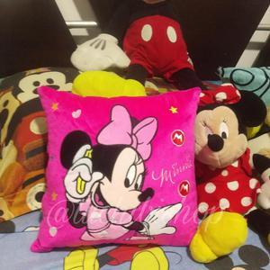 Cojin de Minnie Mouse