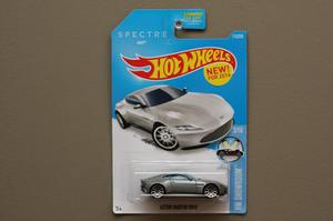 Hot Wheels Escala 1:64 - James Bond 007 Spectre Aston Martin