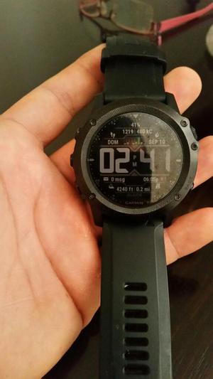 Reloj Tactix Bravo con Caja Y Cargador