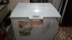 CONGELADOR DUAL Congela / refrigera