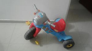 Vendo Moto Triciclo Fisher Price