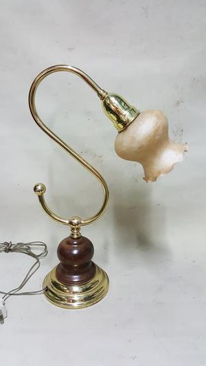 LAMPARA DE MESA ANTIGUA SUIZA EN BRONCE Y MADERA CEDRO