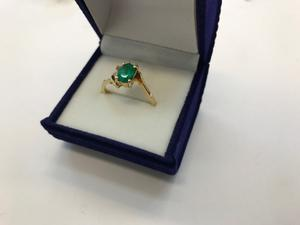 Anillo Oro 18k Con Esmeralda Colombiana Y Diamantes