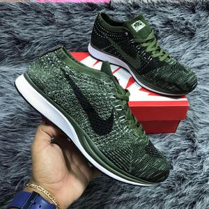 Nike Flyknit racer hombre y mujer