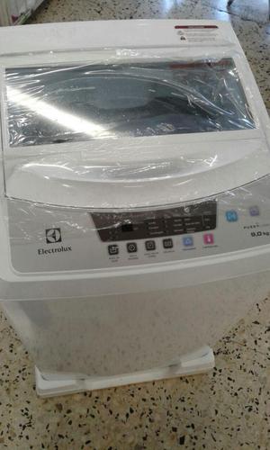 se vende lavadora electro lux poco uso de 18 libras
