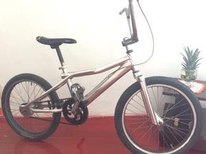 Bicicleta en Aluminio.