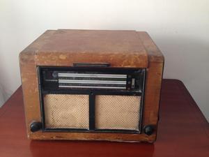 Radio Antiguo Marca Telefunken Con Tocadiscos Coleccionable