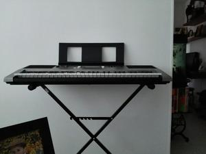 Organeta Yamaha Psr E 353