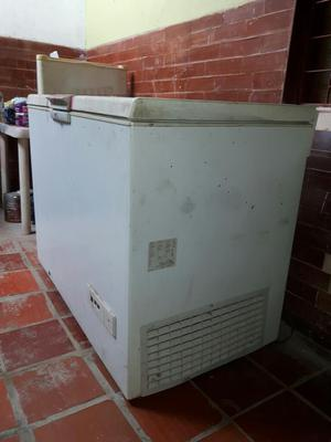 Vendo Congelador No Frost de 300 Litros