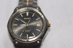 Venpermuto Reloj Seiko En Titanio Como Nuevo En Excelente --