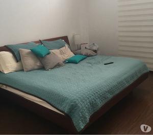 En venta cama king con colchón