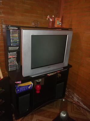 Televisor de 32 Pulgadas Y Mueble