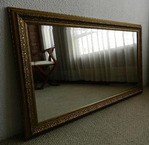 Espejo con marco dorado en madera posot class for Espejo marco dorado