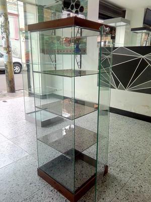 Vitrina En Vidrio Laminado 33 Base Aluminio Con Accesorios