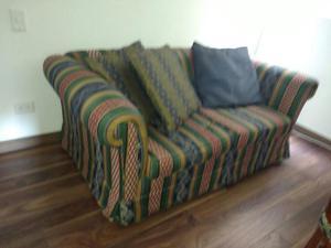 hermoso y confortable sofa