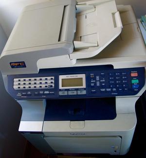 Impresora Láser Multifunción Brother Mfccdw