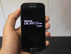 SAMSUNG,S4,mini,libre a todo operador, y le funciona