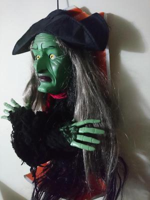 Bruja decorativa para Halloween