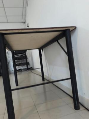 Vendo Mesa en Madera Y Metalica