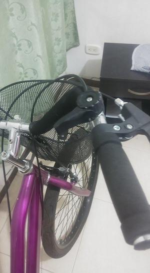 bicicleta en excelente estado de niña.