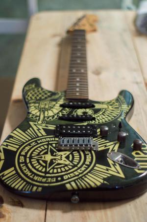 Guitarra Electrica Fender con estuche
