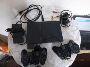 Consola de play 2. Muy buen estado.con dos controles.Sony